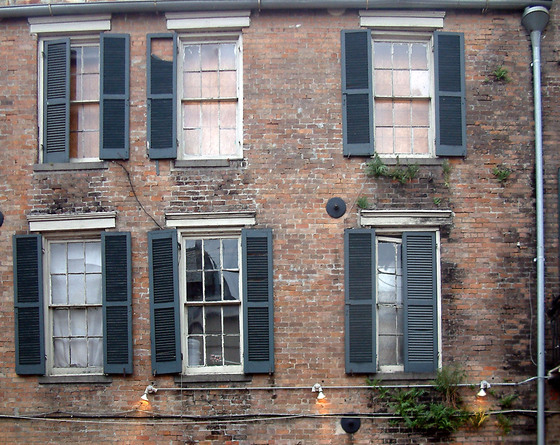 New_orleans_vi_six_windows
