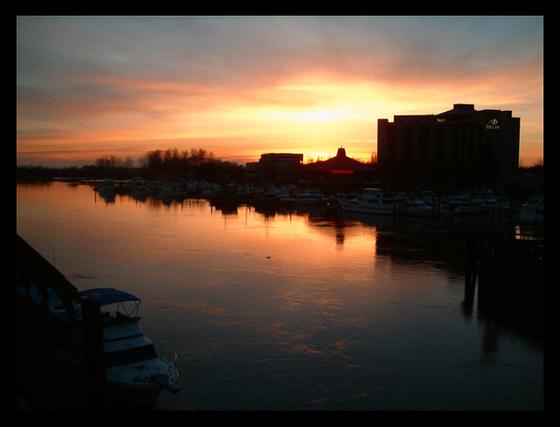 Fraser_river_sunset